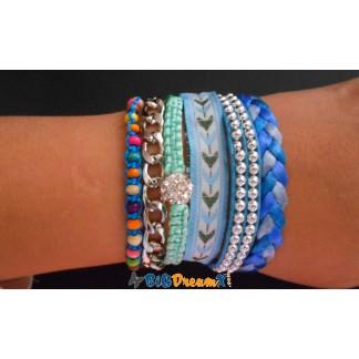 Bracelet brésilien bleu avec chaine médaillon