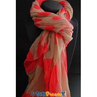 Foulard à pois de differentes tailles très chic