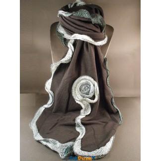 Echarpe noir et grise extensible